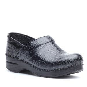 Dansko Tooled leather clogs black size 38